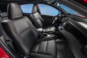 2016-Toyota-RAV4-017