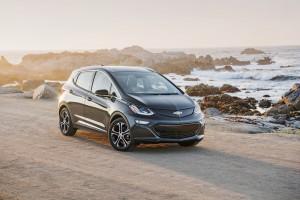2017-Chevrolet-BoltEV-033