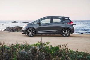 2017-Chevrolet-BoltEV-034