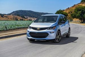2017-Chevrolet-BoltEV-040
