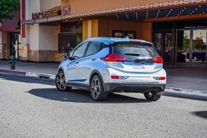 2017-Chevrolet-BoltEV-043