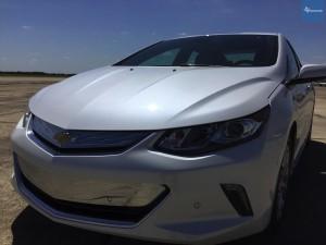 2017-Chevrolet-Volt-tx-JG-015