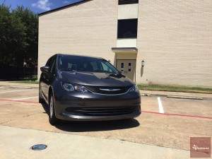 2017-Chrysler-Pacifica-txGarage--002