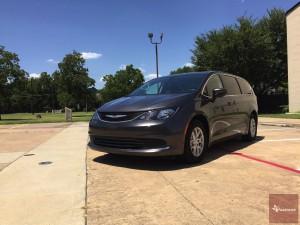 2017-Chrysler-Pacifica-txGarage--005