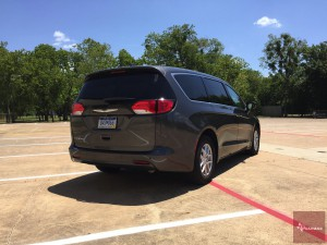 2017-Chrysler-Pacifica-txGarage--011