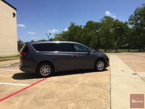 2017-Chrysler-Pacifica-txGarage--013