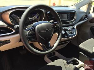 2017-Chrysler-Pacifica-txGarage--017