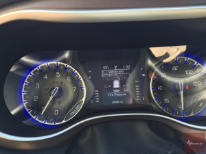 2017-Chrysler-Pacifica-txGarage--026