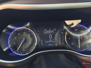 2017-Chrysler-Pacifica-txGarage--027