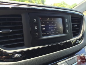 2017-Chrysler-Pacifica-txGarage--028