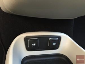 2017-Chrysler-Pacifica-txGarage--030