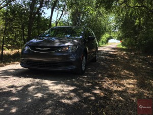 2017-Chrysler-Pacifica-txGarage--037
