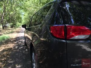 2017-Chrysler-Pacifica-txGarage--043