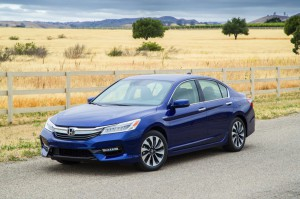 2017-Honda-Accord-Hybrid--002