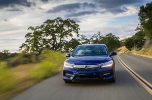 2017-Honda-Accord-Hybrid--004