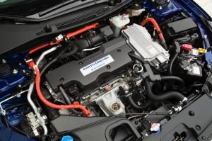 2017-Honda-Accord-Hybrid--006