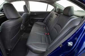 2017-Honda-Accord-Hybrid--009