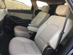 2017-Hyundai-Santa-Fe--007