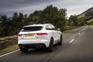 2017-Jaguar-F-Pace--002