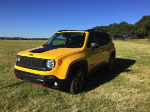2017-Jeep-Renegade-Trailhawk--001