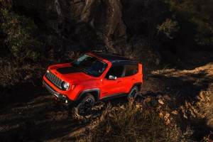 2017-Jeep-Renegade-Trailhawk--008