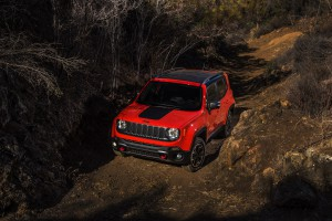 2017-Jeep-Renegade-Trailhawk--009
