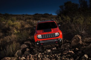 2017-Jeep-Renegade-Trailhawk--010