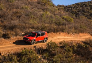 2017-Jeep-Renegade-Trailhawk--014