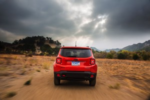 2017-Jeep-Renegade-Trailhawk--016