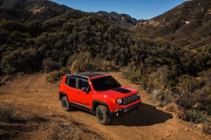 2017-Jeep-Renegade-Trailhawk--017
