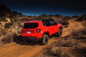 2017-Jeep-Renegade-Trailhawk--020