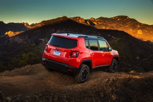 2017-Jeep-Renegade-Trailhawk--021