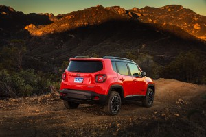 2017-Jeep-Renegade-Trailhawk--022