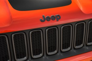 2017-Jeep-Renegade-Trailhawk--025