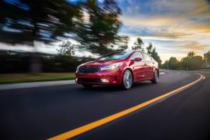 2017-Kia-Forte-Sedan--003