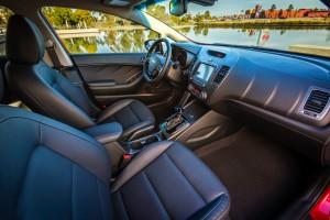 2017-Kia-Forte-Sedan--004