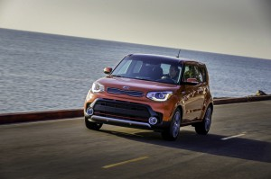 2017-Kia-Soul-Turbo--010