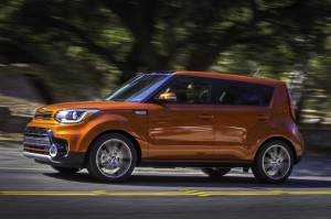 2017-Kia-Soul-Turbo--011