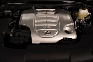 2017-Lexus-LX-570--009