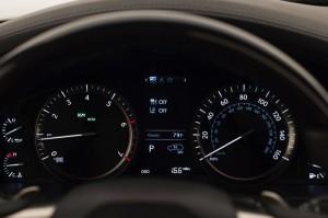 2017-Lexus-LX-570--012