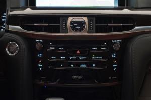 2017-Lexus-LX-570--014