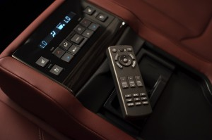 2017-Lexus-LX-570--020