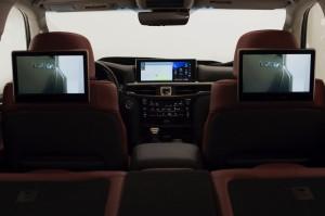 2017-Lexus-LX-570--021
