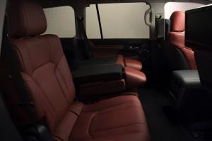 2017-Lexus-LX-570--022