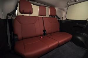 2017-Lexus-LX-570--024