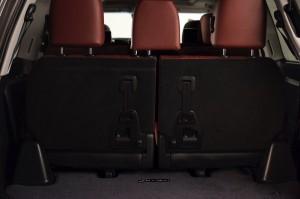 2017-Lexus-LX-570--025