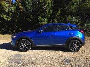2017-Mazda-CX3--010