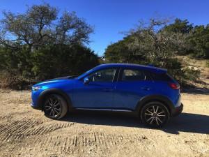 2017-Mazda-CX3--021