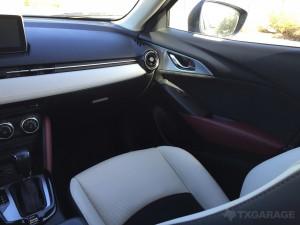 2017-Mazda-CX3--025
