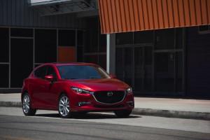 2017-Mazda-Mazda3--003